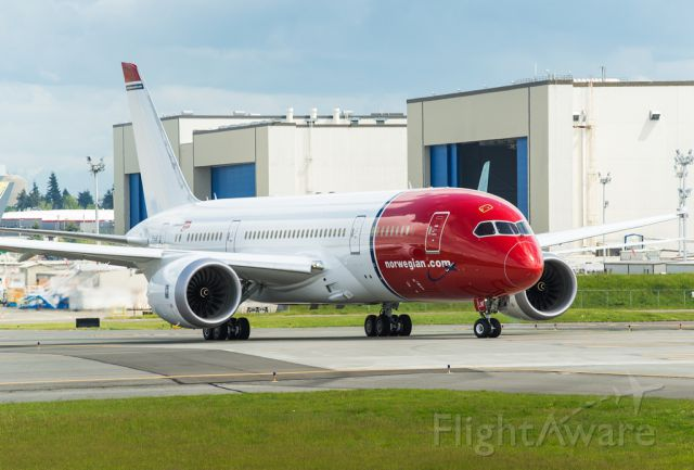 Boeing Dreamliner (Srs.8) (EI-LNF) - EI-LNF Norwegian airlines Boeing 787-8 taxing out for the delivery flight