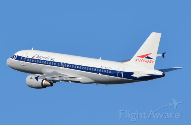 Airbus A319 (N745VJ) - Initial left turn to follow river and avoid restricted airspace after departure from RWY 1