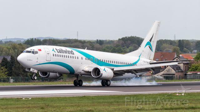 BOEING 737-400 (TC-TLA)