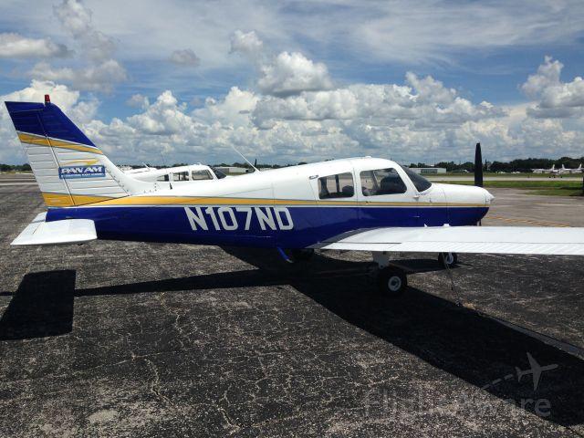 Piper Cherokee (N107ND)