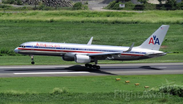 Boeing 757-200 (N676AN)