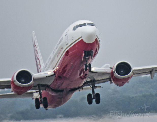 BOEING 737-400 (N745VA)
