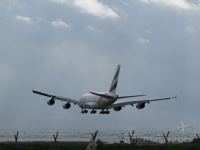Airbus A380-800 (A6-EEE)