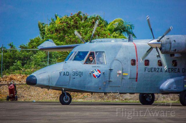 NURTANIO Aviocar (FAD3501) - CASA C212-400 FAD3501 de la Fuerza Aérea de la República Dominicana, en el Aeropuerto de Arroyo Barril (MDAB), Samana.