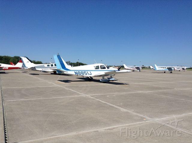 Piper Cherokee (N8851J) - Airplanes at Kump