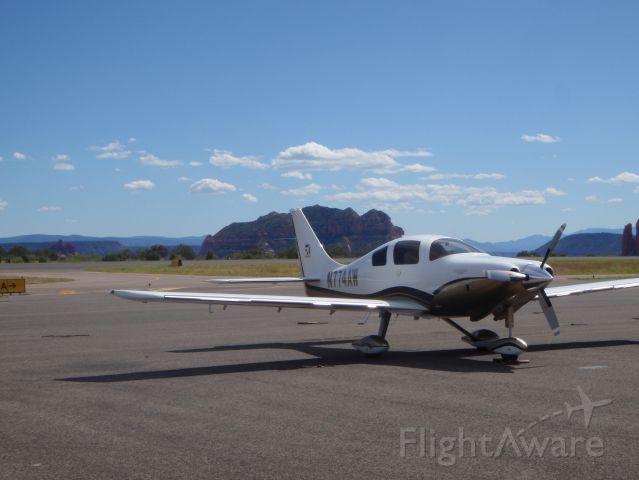 Cessna 400 (N774AW)