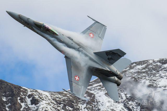 McDonnell Douglas FA-18 Hornet (J5018) - Axalp live fire demonstration<br />Swiss Airforce / F/A-18C