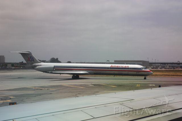 McDonnell Douglas MD-82 (N208AA)