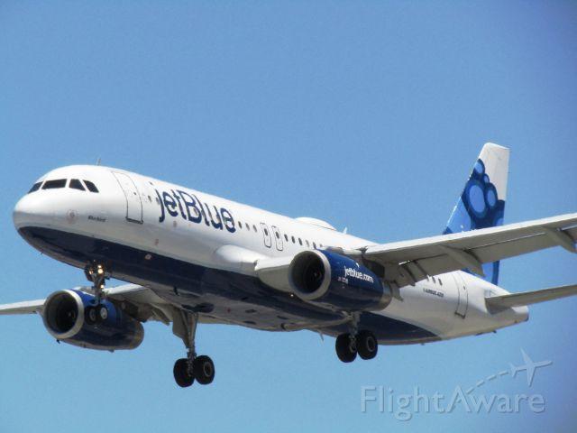 Airbus A320 (N503JB) - Landing RWY 30