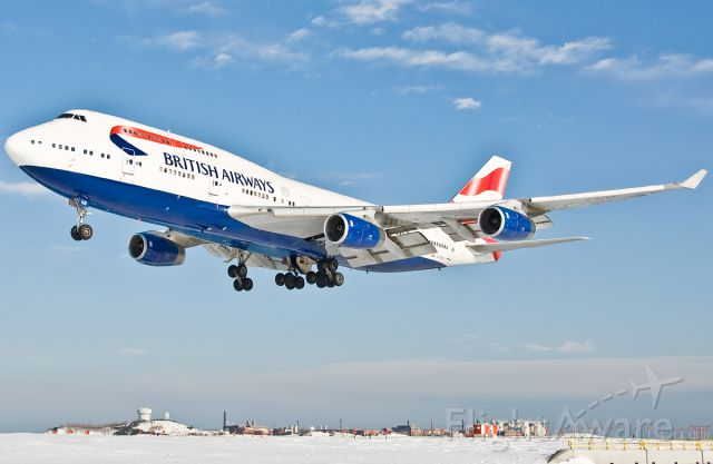 Boeing 747-400 (G-BYGB) - Her Majesty......The Queen !