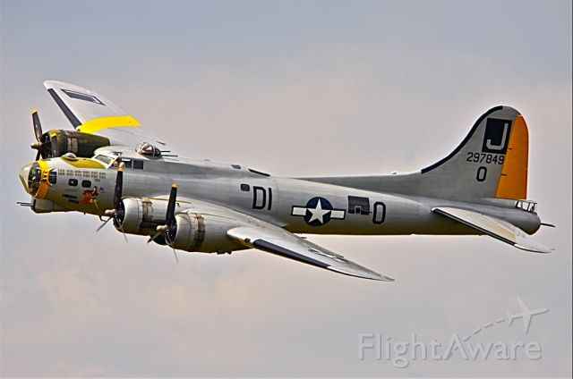 """Boeing B-17 Flying Fortress (N390TH) - """"LIBERTY BELLE"""""""