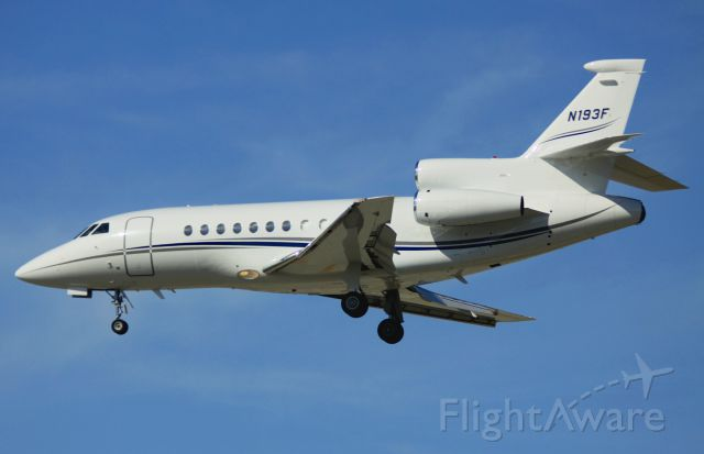 Dassault Falcon 900 (N193F) - Landing 30L, 05-06-2012
