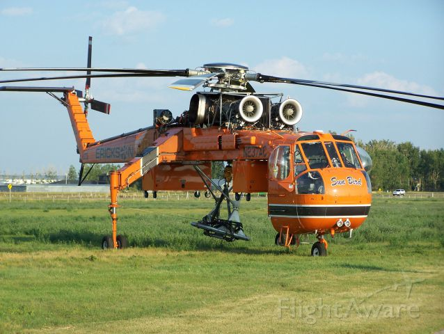 Sikorsky CH-54 Tarhe — - Some planes just command respect