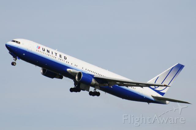 BOEING 767-300 (N663UA) - Seen at KIAD on 6/14/2009.