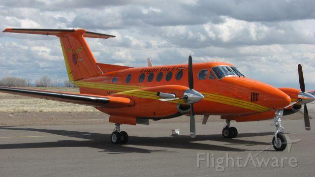 Beechcraft Super King Air 200 (N203LG)