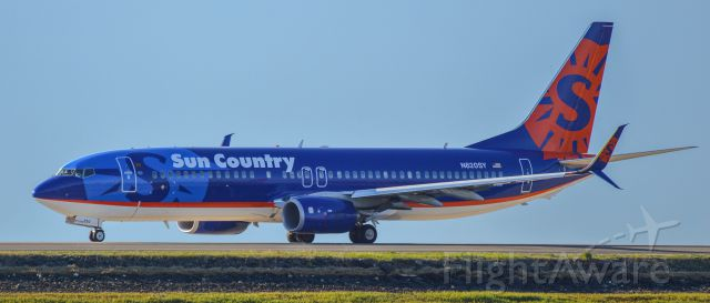 Boeing 737-700 (N820SY) - Shot with a Nikon D3200 w/ Nikkor 70-300mm<br />Best viewed in Full Size