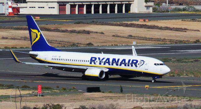 Boeing 737-700 (EI-DCF) - EI-DCF Ryanair Boeing 737-8AS LPA/GCLP Spotting