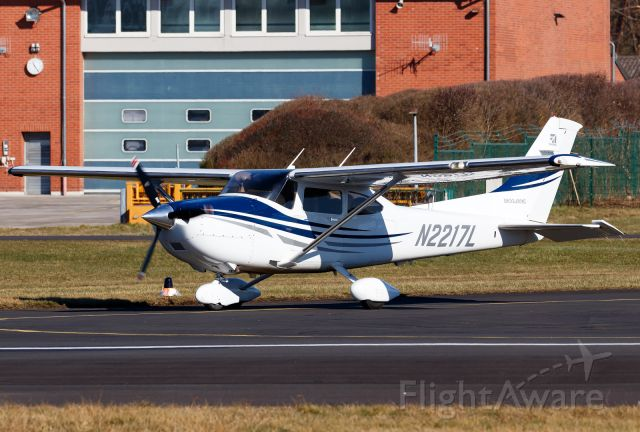 Cessna Skylane (N2217L)