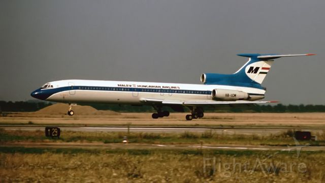 Tupolev Tu-154 (HA-LCM)