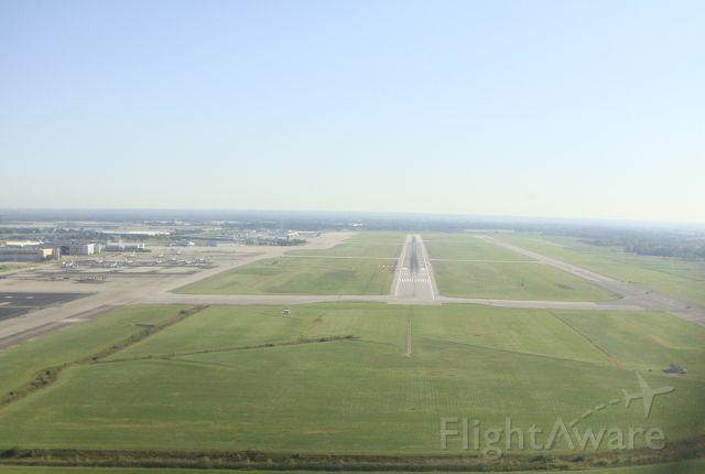 Cessna Skylane — - Landing on 5L at Columbus Rickenbacker International Airport.