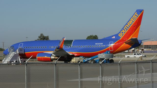 Boeing 737-700 (N632SW) - Southwest Airlines aircraft with the tear in the roof.