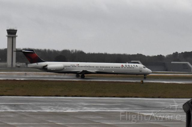 McDonnell Douglas MD-88 (N917DL) - Rotating on Rwy 23 heading to KATL