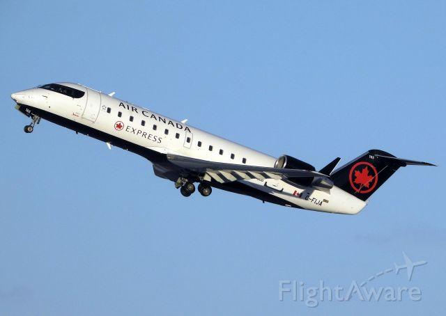 Canadair Regional Jet CRJ-200 (C-FIJA)
