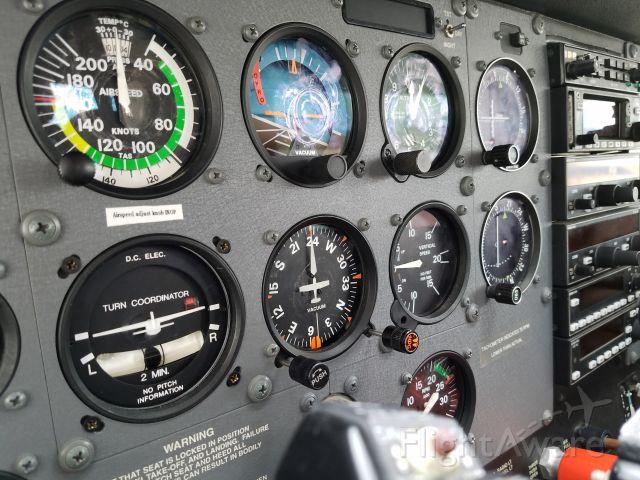 Cessna Skyhawk (N65411)