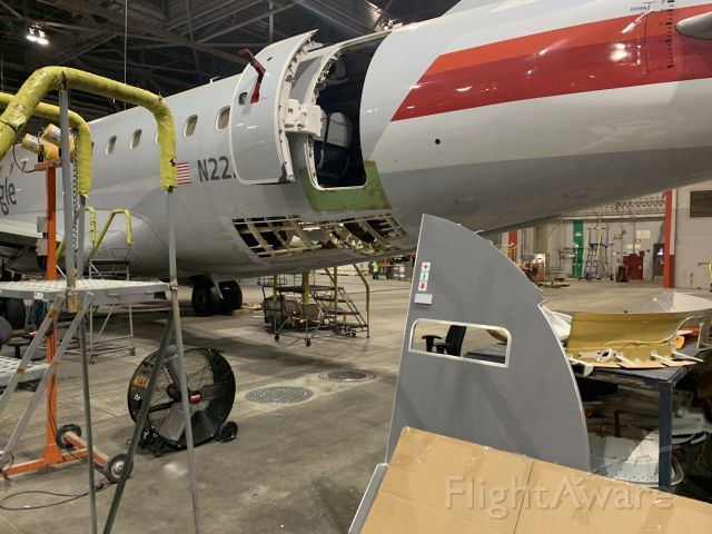 Embraer 170/175 (N222NS)