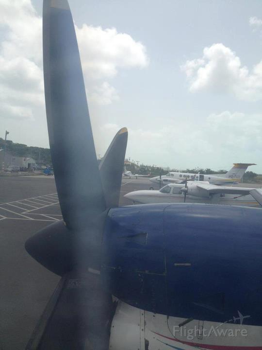 Embraer EMB-120 Brasilia (VQ-TDG) - VQ-TDA (BN-2) VQ-TCI (KingAIR 200)