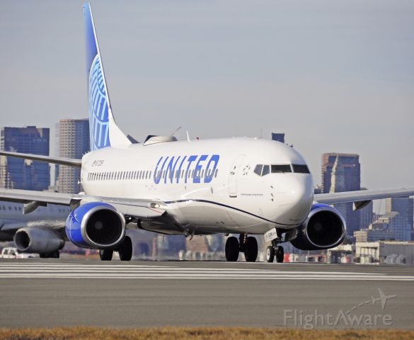 Boeing 737-800 (N37298) - New Livery