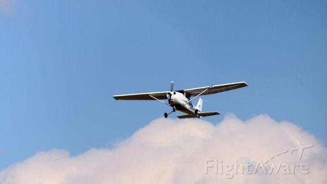 Cessna Skyhawk (N613LG)