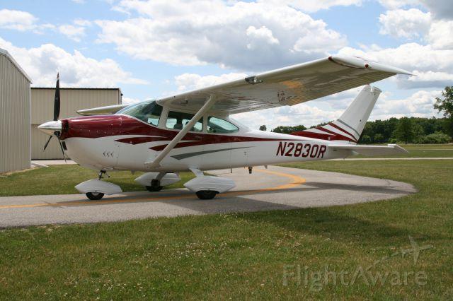 Cessna Skylane (N2830R) - C-182