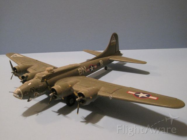 B17 — - Revell 1/72 scale model of Boeing B-17F.
