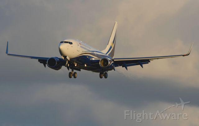 Boeing 737-700 (TT-ABD) - 10/11/2013<br />Tchad Government<br />Landing 27 fron FTTJ