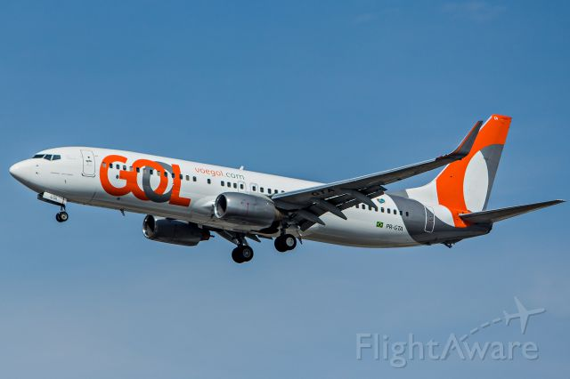 Boeing 737-800 (PR-GTA) - GOL Transportes Aereos - Boeing 737-8EH<br />Registration: PR-GTA<br /><br />Santiago (SCL) / São Paulo (GRU)<br /><br />Foto tirada em: 29/05/2016<br />Fotografia: Marcelo Luiz