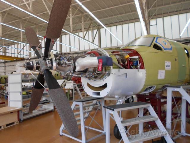 — — - Assemblaggio di un Pilatus PC-12