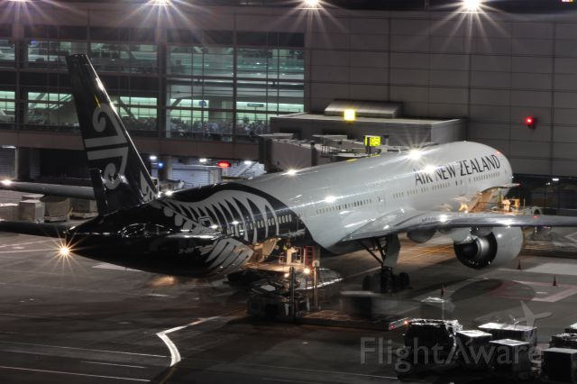 Boeing 777-200 (ZK-OKR) - New livery ANZ 777-300ER loading up to return to Aukland as ANZ 7