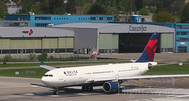 Airbus A330-200 (N855NW) - Delta A330-200 taking off from Zurich. Not a regular find there!