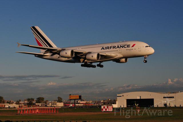 Airbus A380-800 (F-HPJB) - A380