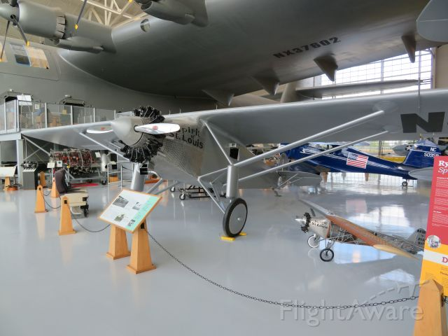 — — - Found this magnificent comparison between these two famous airplanes at the McMinnville Air Museum. The Spruce Goose and the Spirit of St Louis.