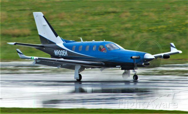 Daher-Socata TBM-900 (N900EH) - ON landing RW31