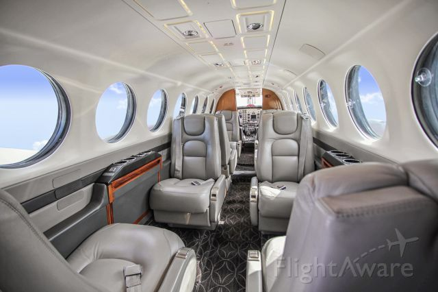 Beechcraft 35 Bonanza (N575RD)