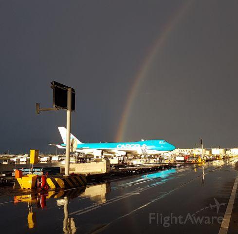 Boeing 747-400 (PH-CKB) - Amsterdam Airport Schiphol. Sierra platform, Just after a summer thuntherstorm.
