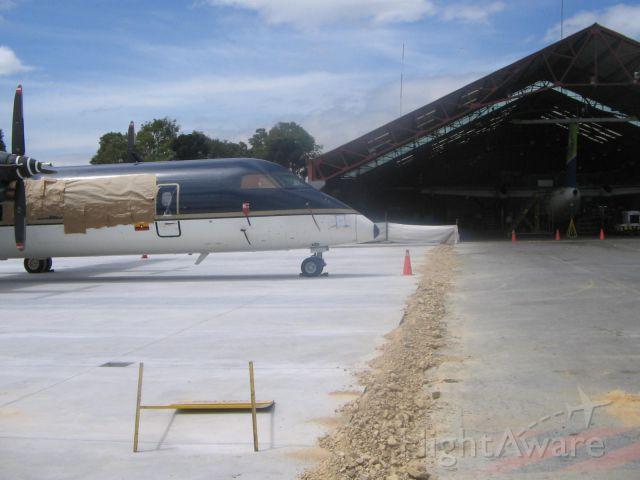 — — - SVC MANTO AVION  INTER EN LOS HANGARES DE AIRES  AEROPUERTO  EL Dorado  BOGOTA COLOMBIA