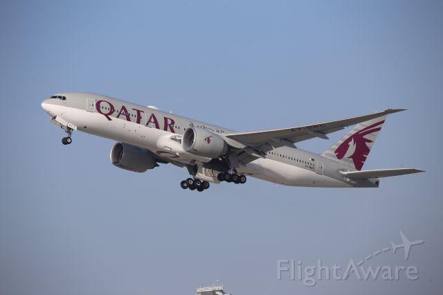 BOEING 777-200LR (A7-BBC)