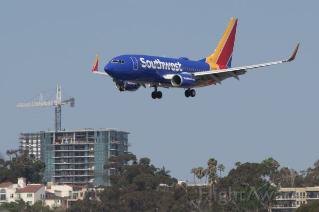 Boeing 737-700 (N568WN) - Landing 737 from Harbor Drive