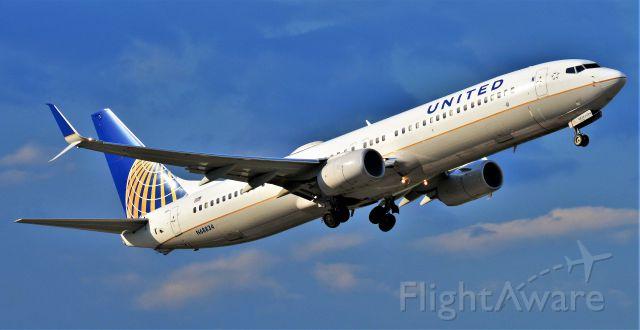 Boeing 737-900 (N68834)