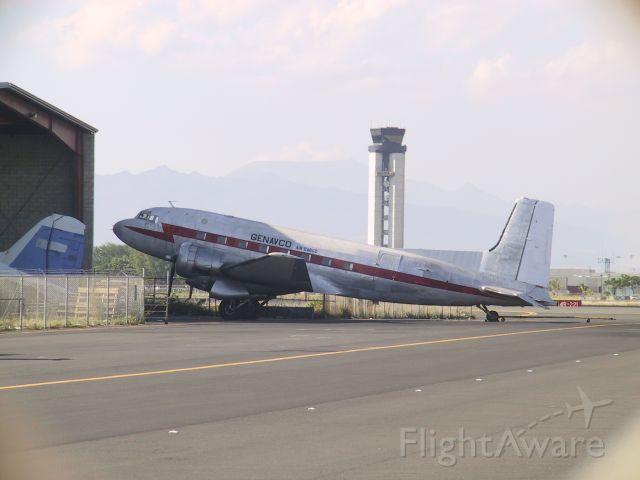 Douglas DC-3 (N9796N)