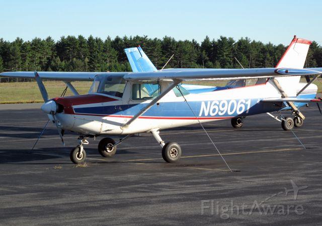 Cessna 152 (N69061)